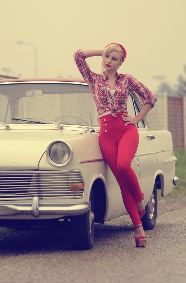 Love the high waist look even if I'm not as curvy. The girl nextdoor:: Rockabilly Style:: Retro Fashion