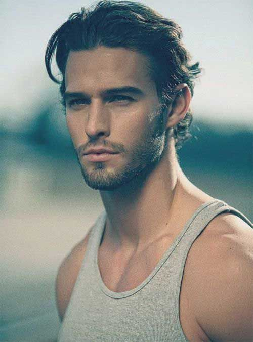 Looking for a fresh look somewhere in the middle of short and long hair? Men`s medium hairstyles are becoming more and more popular nowadays. With a medium