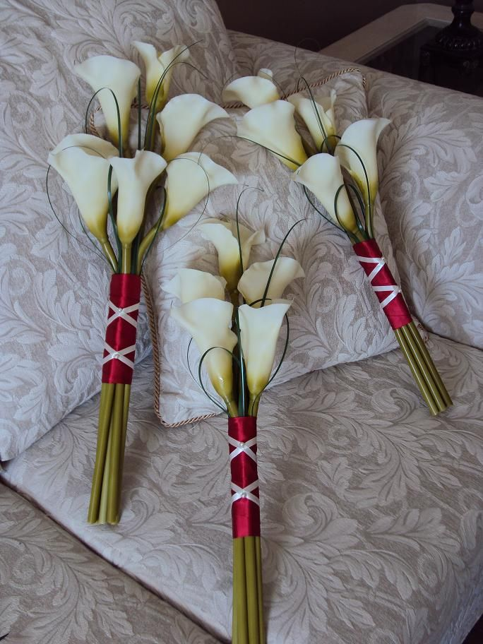 bridesmaides....  Real Touch Ivory Calla Lilies - Arm Wedding Bouquets - Treasured Moments Flowers & Gifts