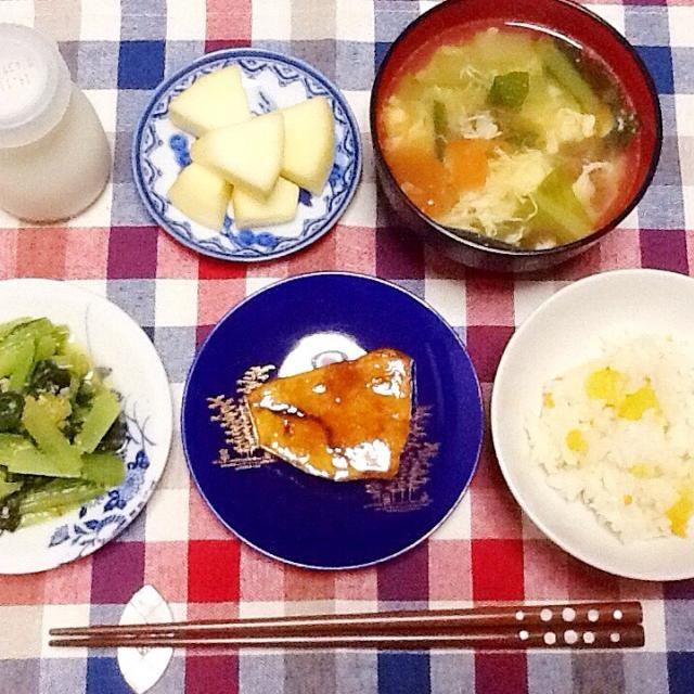トマトと小松菜の卵とじスープ めかじきの照焼き 小松菜ピーナッツ和え りんご - 40件のもぐもぐ - 晩ご飯ヾ(。・ω・。) by lilianhuang
