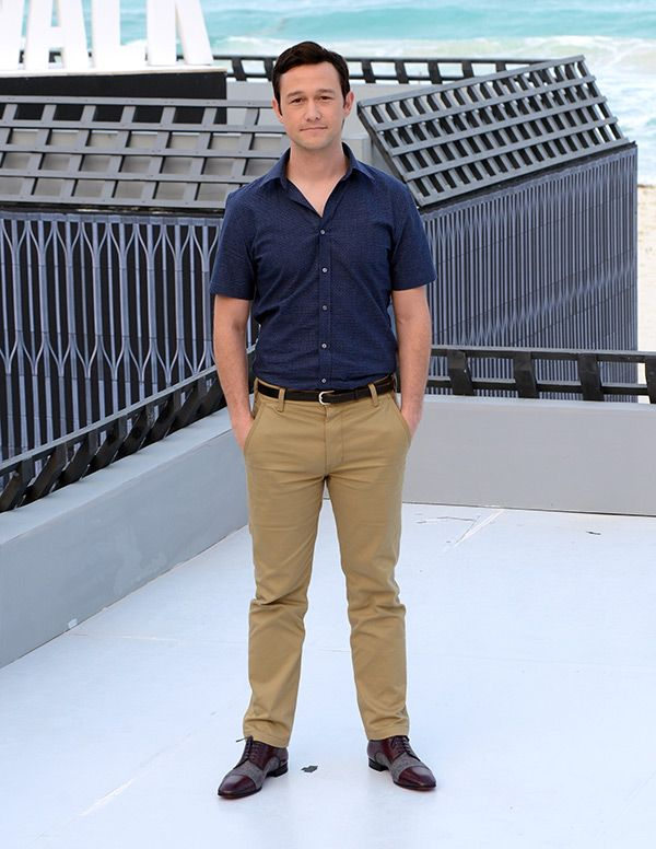 Joseph Gordon-Levitt better have more than 500 diapers ready! The Hollywood hunk is a brand new daddy to a sweet little boy. Congrats!