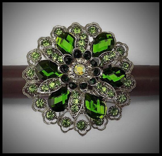 Grosse bague élastique 3D strass camaïeu de vert métal argenté - bijou fantaisie strass - idée cadeau - femme - fille - costume vénitien.