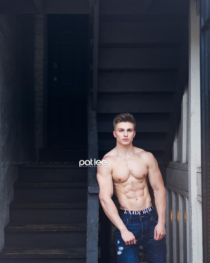Dan Babiarz by Pat Lee  @danbabiarz   @danbabiarz   @danbabiarz   Pat Lee is based in Chicago and available for photography video and media projects.  patlee@patleemedia.com  #muscle #bodybuilding #fitness #fitfam #gym #guy #male #fitspiration #shredded #hunk #abs #aesthetics #hot #instagood #picoftheday #photooftheday #follow #instalike #art #photo #instasize #InstagramHub #igdaily #chicago