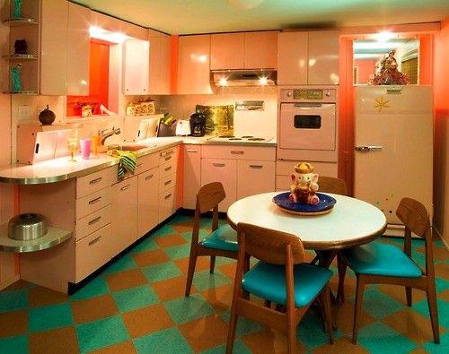 18 best retro vintage kitchens images on pinterest - Pink kitchen cabinets ...