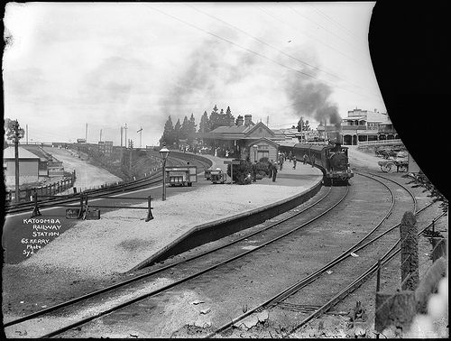 Katoomba Railway Station. Format: Glass plate negative. Tyrrell Photographic Collection, Powerhouse Museum