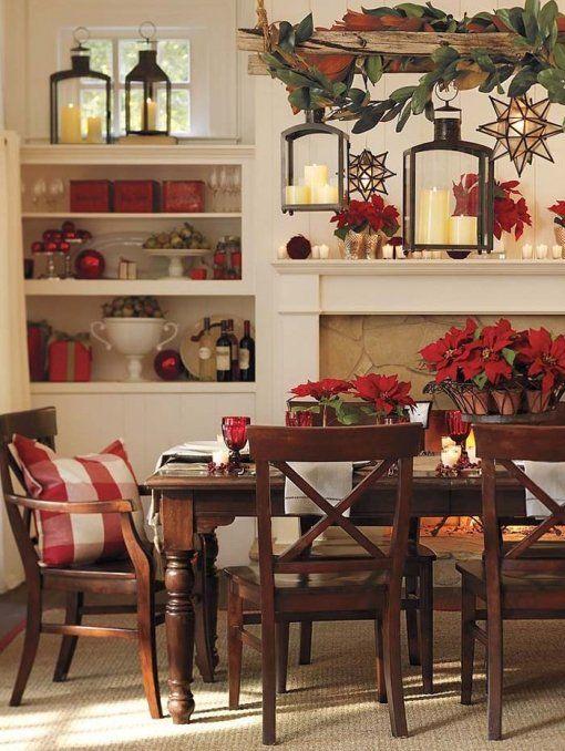 Υπέροχη διακόσμηση τραπεζαρίας με φόντο τα Χριστούγεννα.