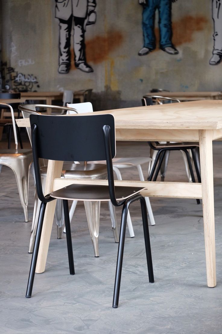 All tables in this Restaurant are made by Milo's Makerij