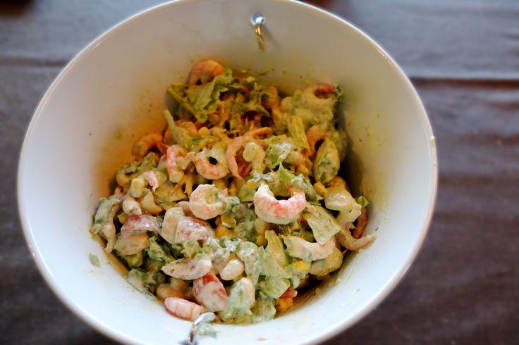 Salat med reker Rekene er på sitt beste for tiden, så hvorfor ikke benytte sjansen å lage en deilig salat med reker.