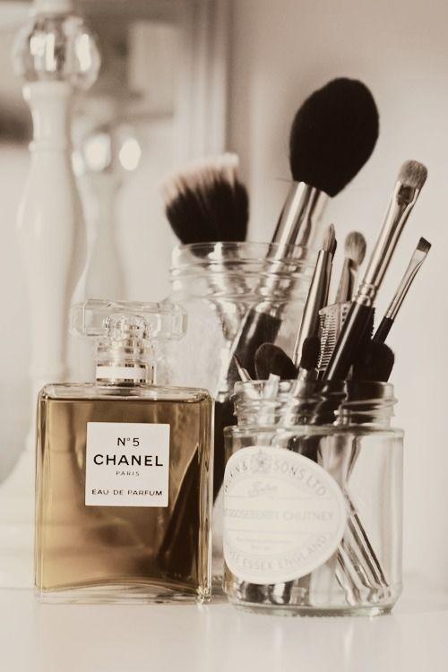vanity things: brushes in jars