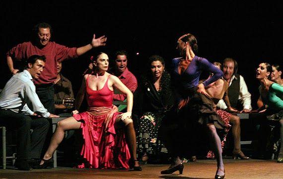 Hiszpańskie Smaki: Gdzie Carmen zwijała cygara na swych ponętnych uda...