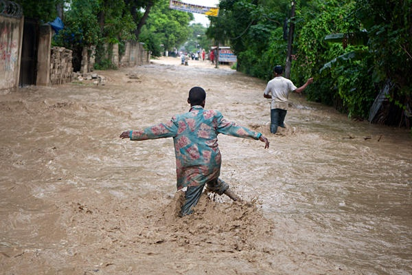 Not a trick or a treat: Hurricane Sandy could hit as monster hybrid storm - CSMonitor.com  Port au Prince, Haiti
