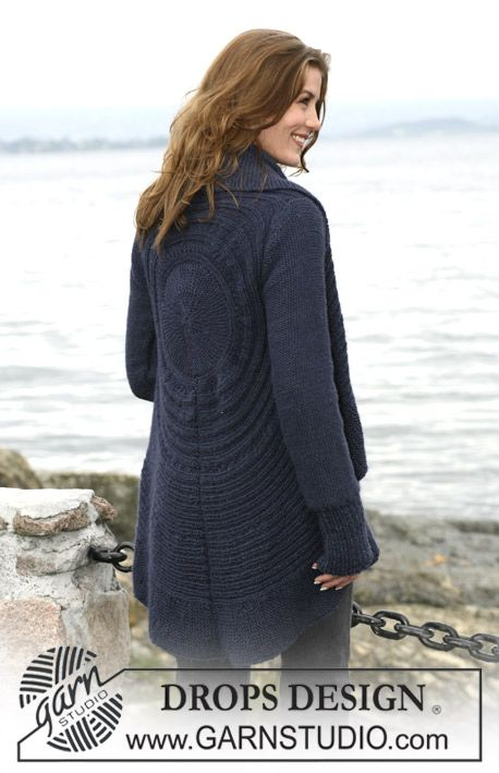 """DROPS circular jacket in """"SIlke-Alpaca"""" or """"Air"""" with texture pattern. Size: S to XXXL ~ DROPS Design"""