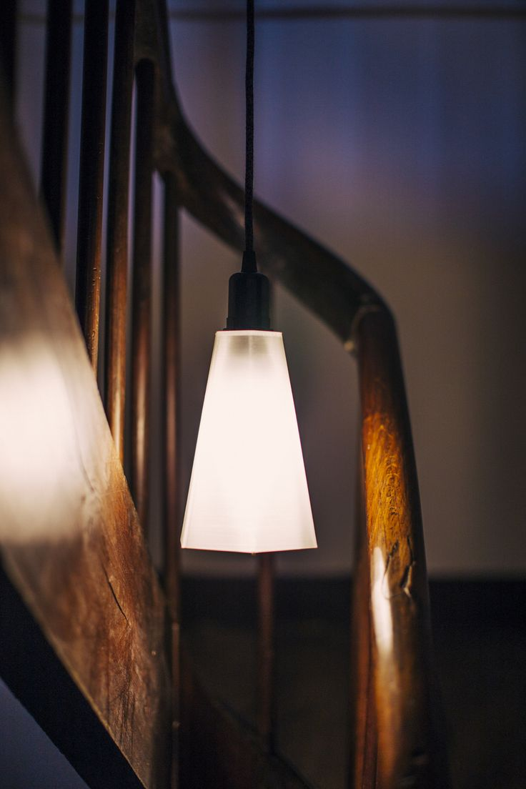 PLYSET Lamp F01 - 3D printed lampshade - Cling to the ceiling - Old staircase