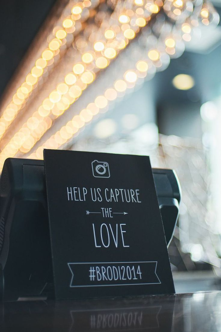 Fun wedding ideas: Instagram sign for at your wedding.