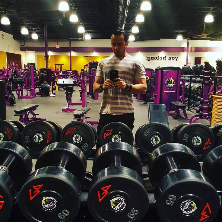 Had to get it in its not my usual gym but you have to make the best of it @planetfitness. On that #OMEGAPRE Click the link in the bio to order yours today use Promo code: IZZY15 . . . . . . . . . . . . . . .  @omega_nutrition_supplements #focus #dedication #gains #traps #preworkout #cleanenergy #gym #legday #chestday #shoulders #calves #nojitters #pump #growth #freeshipping #veins #GMP #homegrown #armday #fitlife #bodybuilding #weighlifting #squats #athletic #deadlifts #deadpool