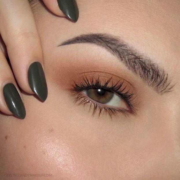 Makeup Look for green eyes with burnt orange eyeshadow