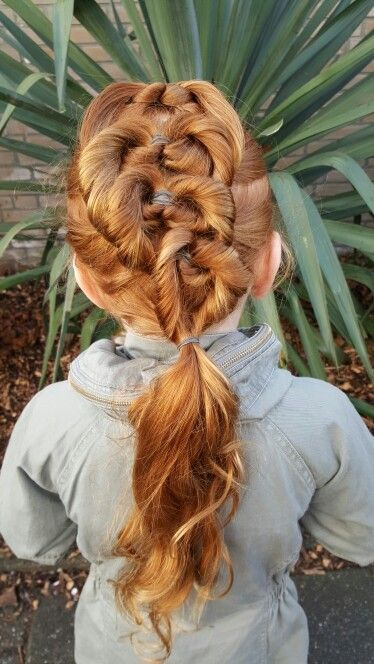 Fantasie twist kapsel hairdo vlecht
