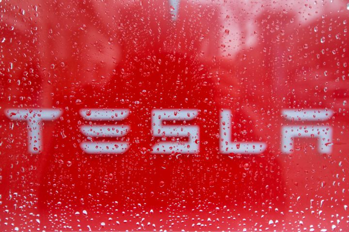 """Tesla Just Fired the Female Engineer Who Alleged 'Pervasive Harassment' at the Company -- The company says it had """"no choice but to end her employment at Tesla."""""""