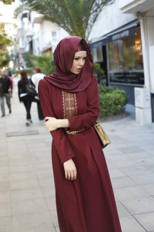 Hennin Giyim