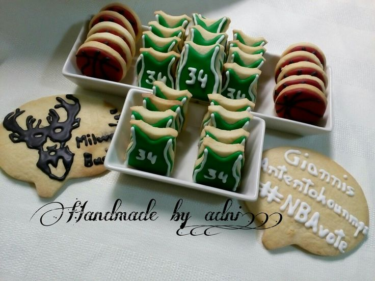 #handmade_by_adni #handmade #decoration #homemade #giannisantetokounmpo #NBAvote #sugarcookies #icingcookies #icing #icingart #decoration #sportcookies #34 #giannisantetokounmpo #milwaukee #bucks #greece