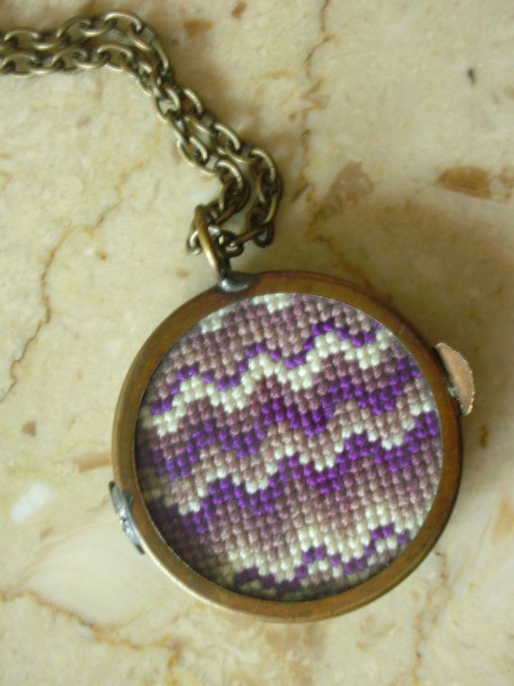 DoubleSided Ombre Cross Stitch Necklace por blendblend en Etsy, $99.00