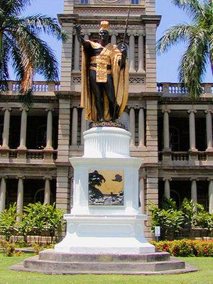 Statute of Kamehameha I @ Iolani Palace Hawaii's last monarch and only palace on U.S. soil.