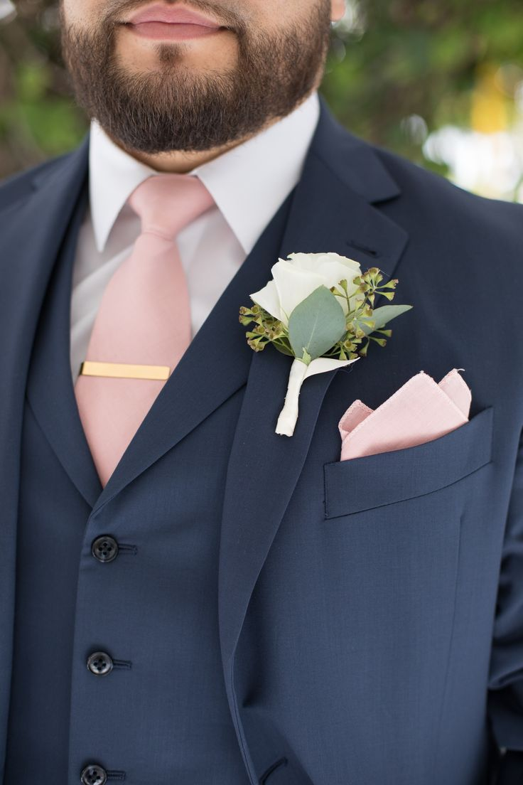 The Palms Hotel // Heather Funk Photography // Miami Beach // flowers // wedding boutonniere // wedding roses // bridal groom