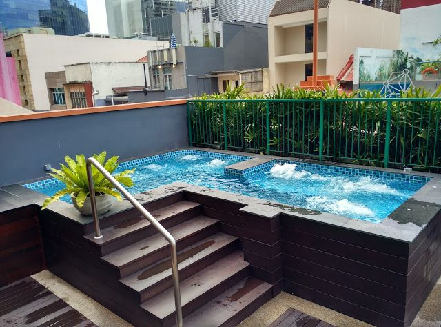 Functional living spaces complete with a rooftop swimming pool right in the middle of Clark Quay.