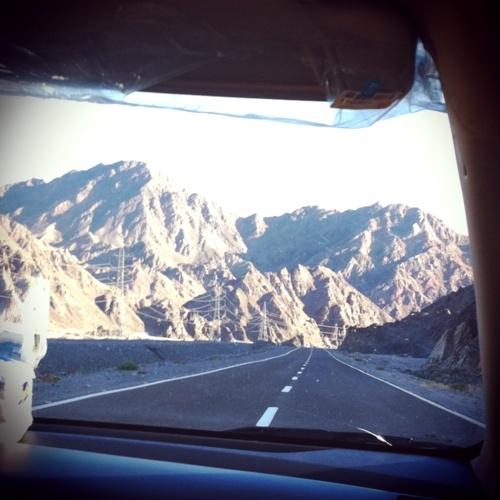 driving through sinai mountains- dahab to sharm el sheikh-egypt