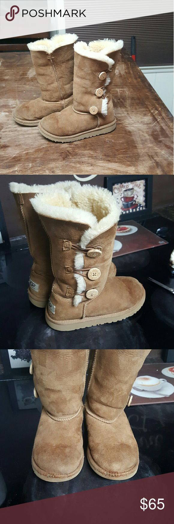 Childrens UGG Bailey Boots Size 1 bailey Ugg Boots. They are in good shape. Toes are a little worn not too noticeable when worn. UGG Shoes Boots