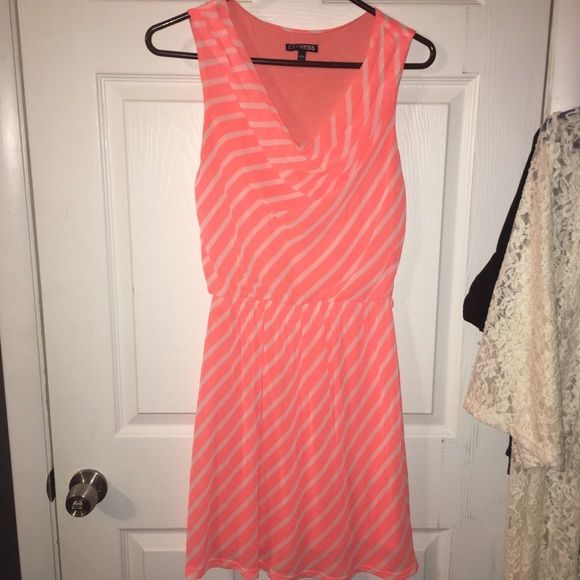 Express Cowl Neck Dress Lined, elastic waist, cowl neck dress from express. Can be paired with a cute chunky belt! Offers welcome! Express Dresses