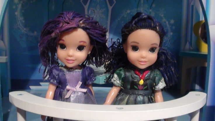 Mal and Evie's Magic sleepover at Elsa's Ice Castle with Toddler Anna an...