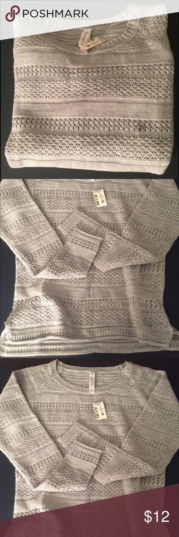 NWT Aeropostale Sweater Light gray sweater, great for layering. This is a size medium, snug fit. New with tags! Great for fall 🍂 Aeropostale Sweaters Crew & Scoop Necks