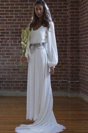 I LOVE this gown for the Classy Geeky Wedding of my dreams! I'd make a few changes to make it my own but .. LOVE IT #geek #nerd #wedding