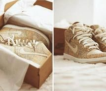 Inspiring picture awesome, cool, glitter, gold, gold shoes. Resolution: 500x371. Find the picture to your taste!