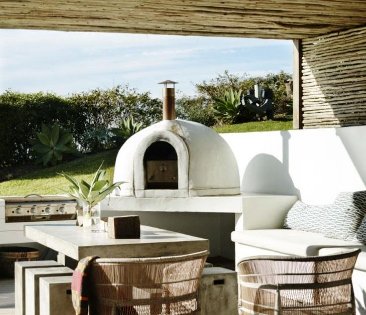 Outdoor pizza ovens are hot property, such as the one featured in this rental property via Contemporary Hotels, www.contemporaryhotels.com.au