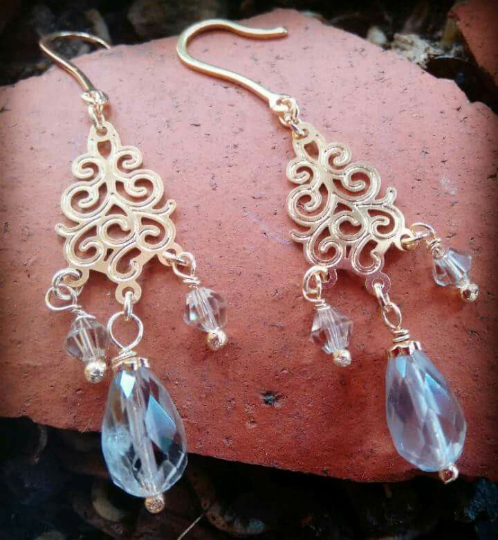 Golden plated earings with natural smoked crystal and Swarovisk