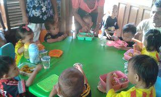 PAUD BUNGA MATAHARI: I bambini a scuola imparano e si divertono