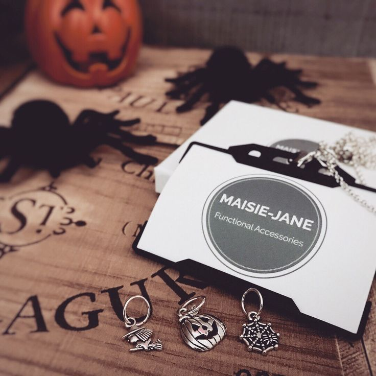 Feeling spooky this Halloween dress up your workpass in spooktacular fashion with out Halloween collection 3 charms and a necklace lanyard for £12.50