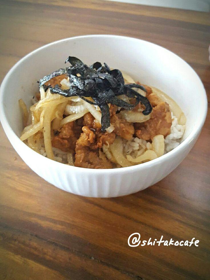 Enjoy your meal with donburi chicken karagee at Shitako Cafe. . . . #shitakocafe #shitakohoms #shitakohouse #shitakotakoyaki #shitakolovers #chickenkaragee #nomnom #kulinerkelapagading #kelilinggading #japanese #kelapagading