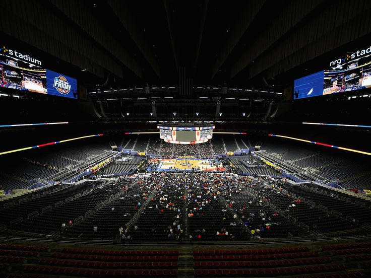 Twenty years ago this week, Kentucky beat Syracuse in the men's NCAA Tournament title game in front of a crowd of 19,229 at Continental Airlines Arena in New Jersey. It was the last time the Final …