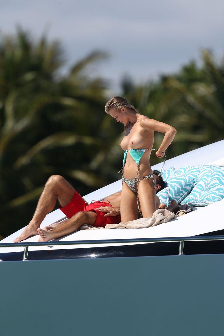 Joanna-Krupa-in-a-Bikini-Topless8.jpg (2400×3600)
