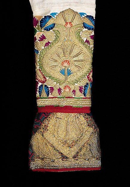 Μανίκι τζάκου με χρυσοκέντημα από τα Μεσόγεια , Νότια Αττική Brooklyn Museum Costume Collection at The Metropolitan Museum of Art, Gift of the Brooklyn Museum, 2009; Gift of Mrs. August Belmont, 1948 , sleeve ornamented with hand embroidery