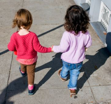 Having a Sister Improves Mental Health