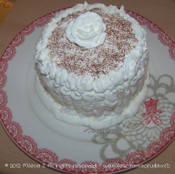 Una torta romantica, dedicata a chi ha volgia di coccole!