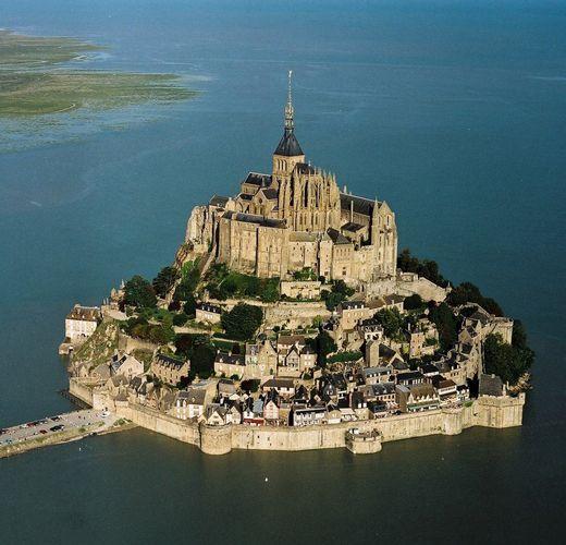 Τα Ομορφότερα Κάστρα Ανά Τον Κόσμο