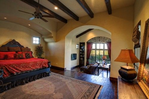 red bed setCeilings Beams, Bedrooms Design, Sitting Area, Master Bedrooms, Wrought Iron, Master Suits, Spanish Style, Wood Beams, Mediterranean Bedrooms