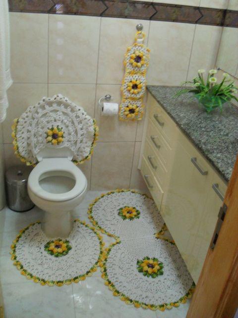 Jogo de tapetes de crochê com flores