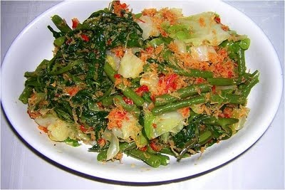 Urap | a spicy salad with shredded coconut