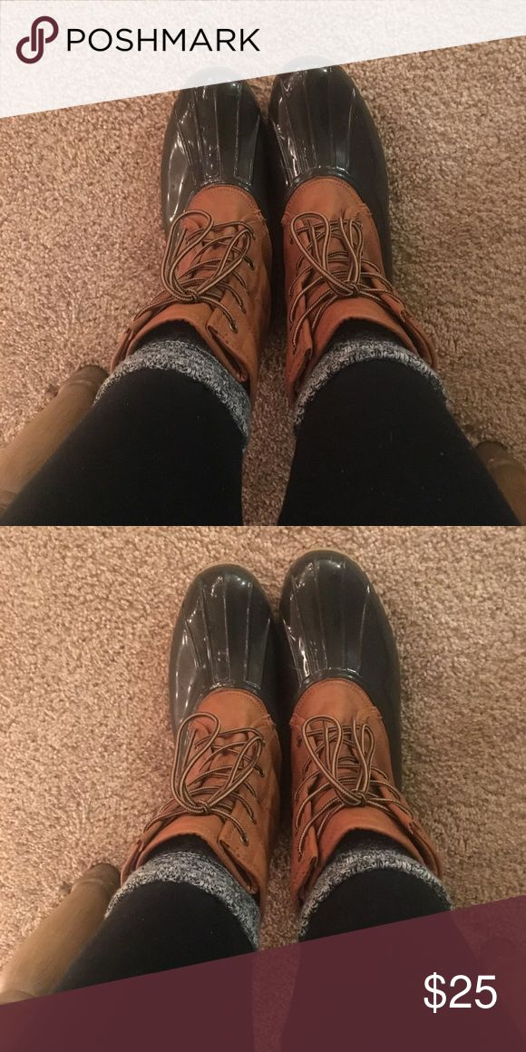 The Original Duck Boot these super warm and comfy duck boots are perfect for the snow and rain!!  i LOVE them but, just ordered another pair in my actual size :) worn twice. great condition! the original duck boot Shoes Winter & Rain Boots